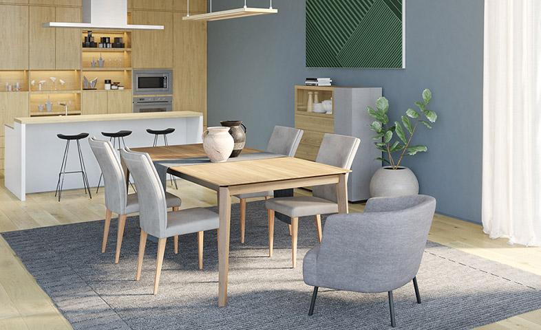 Küche kombiniert mit Esszimmer und Massivholz Esstisch, Highboard und Türfronten
