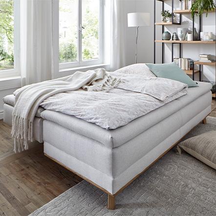 Braun-graues Sofa mit komfortabler Schlaffunktion