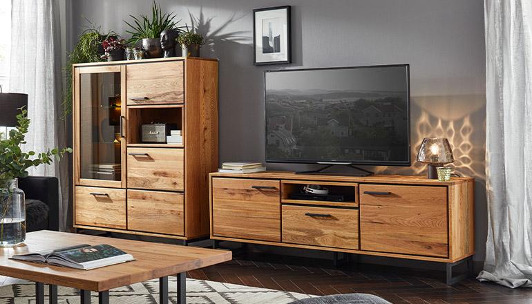 Wunderschönes TV-Lowboard und Highboard aus massiver Zerreiche